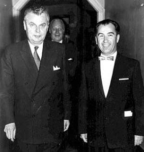 Павло Юзик з Прем'єр-міністром Канади Джоном Діфенбейкером (1963)